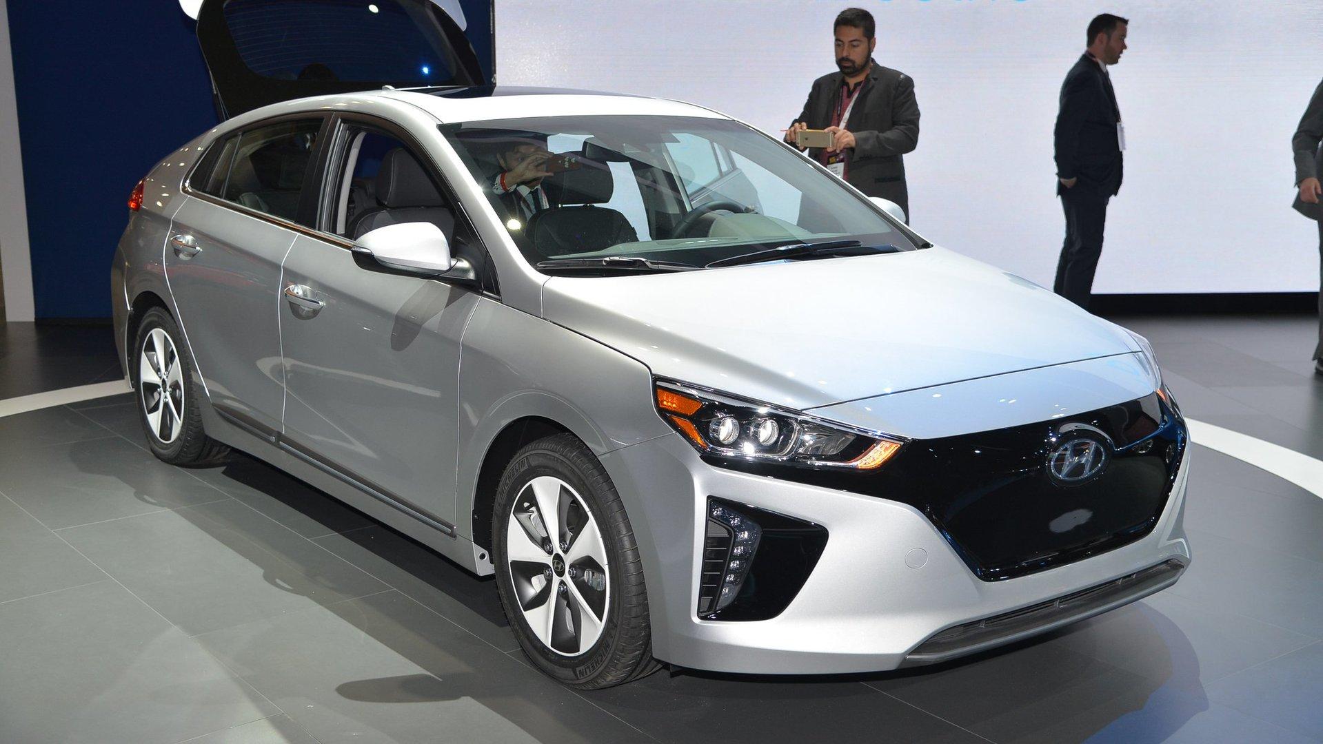 Hyundai Ioniq Ev >> Hyundai Ioniq Ev To Have 250 Mile Range By 2020