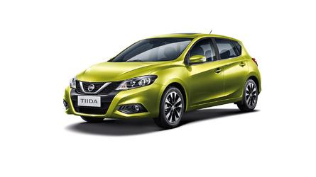 Nissan Tiida deve retornar como rival híbrido de Focus e Golf