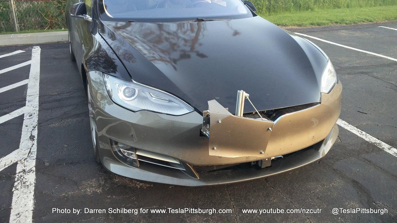 Tesla Model S test mule 3 of 3   Motor1 com Photos