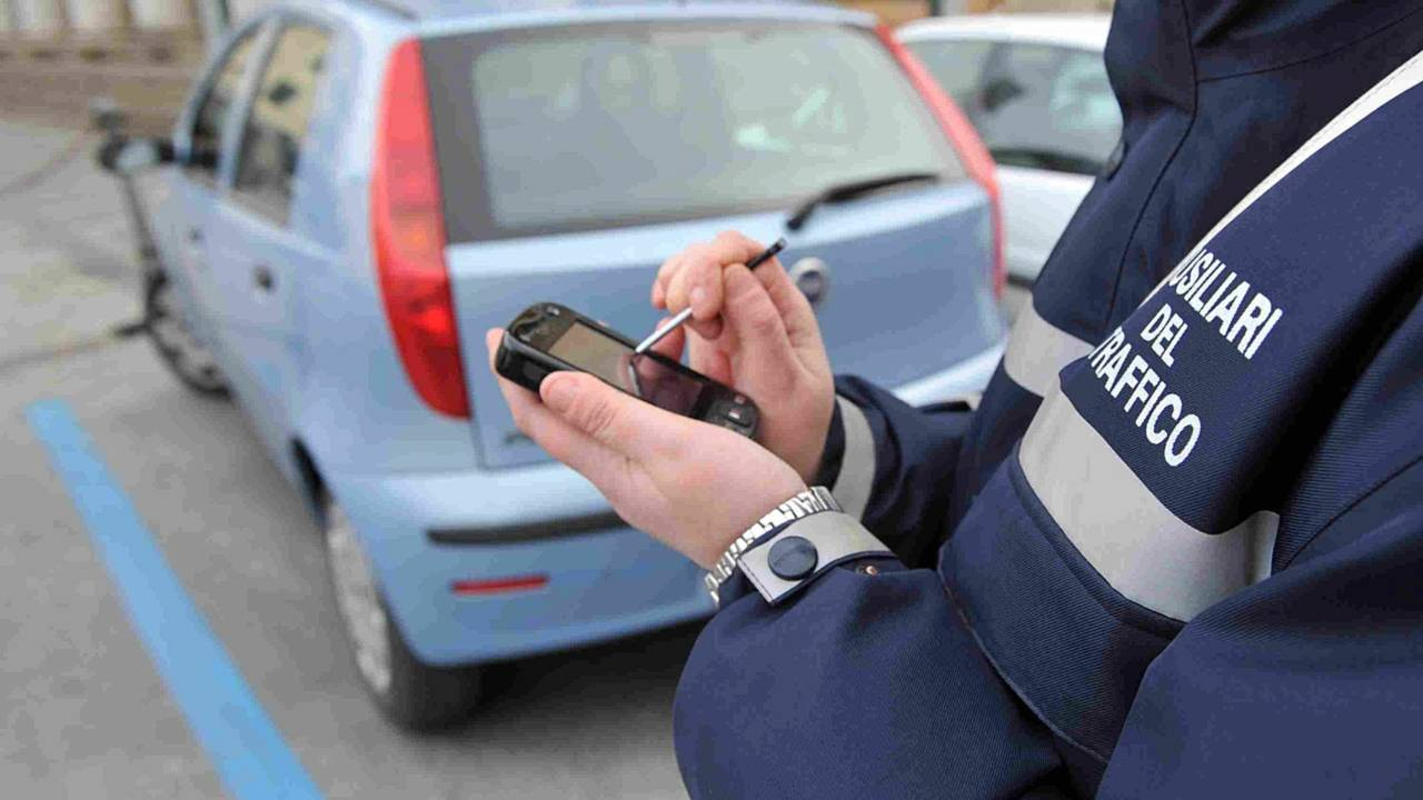 Chi può fare una multa agli automobilisti?