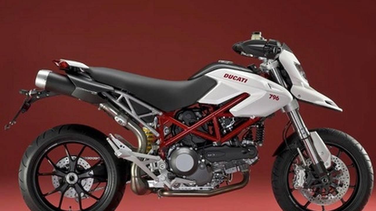 Ducati Hypermotard 796: smaller and cheaper for 2010