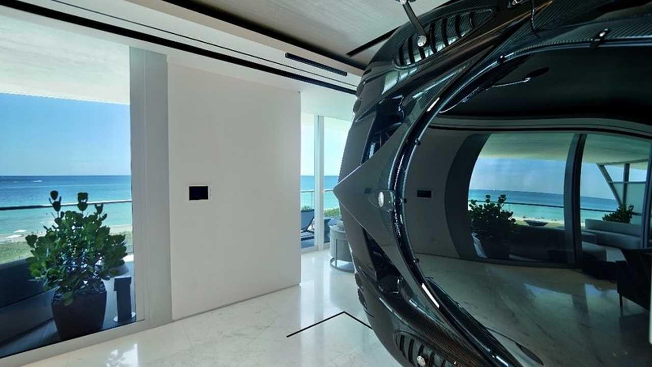 Miami'deki bu evde duvar yerine Pagani Zonda R kullanıldı