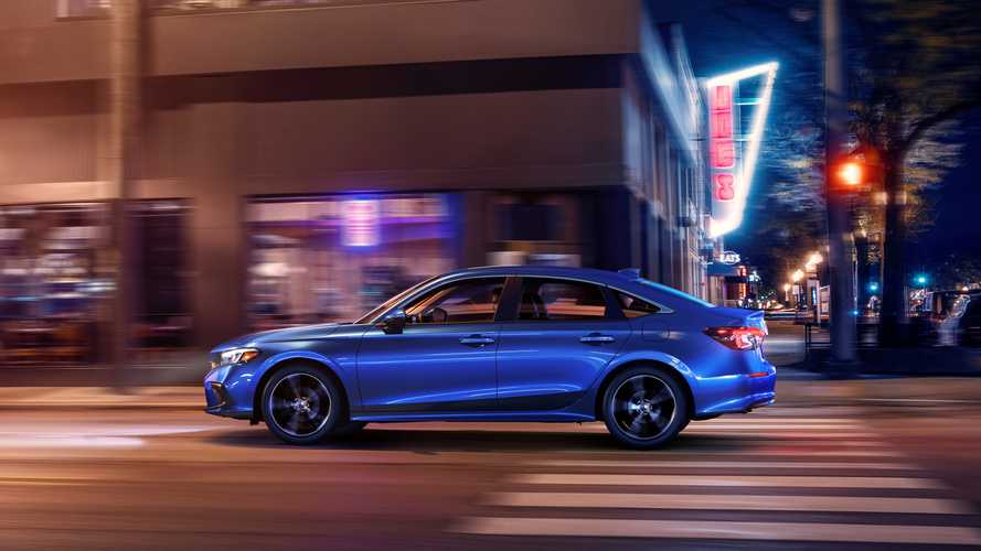 Honda Civic berlina, la tre volumi dal look semplice