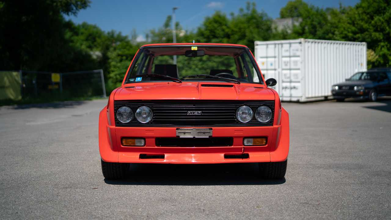 Fiat 131 Abarth de 1976 vendido por más de 100.000 euros