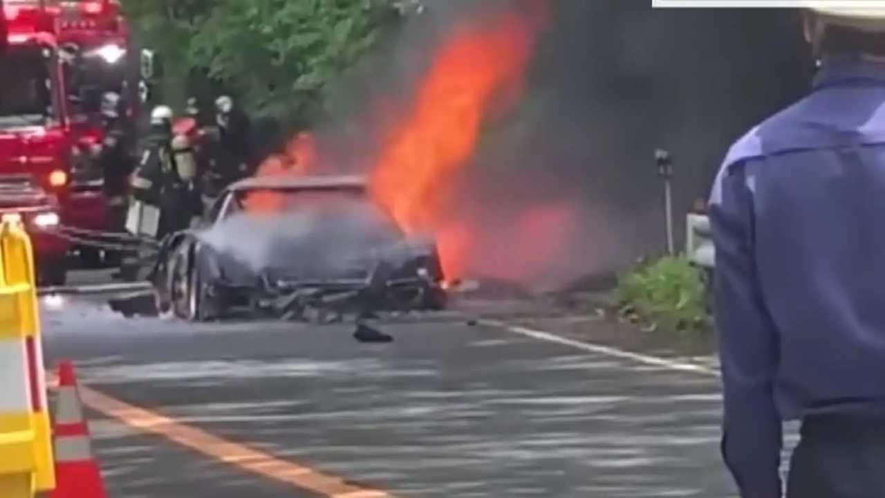 Ferrari F40 fire in Japan