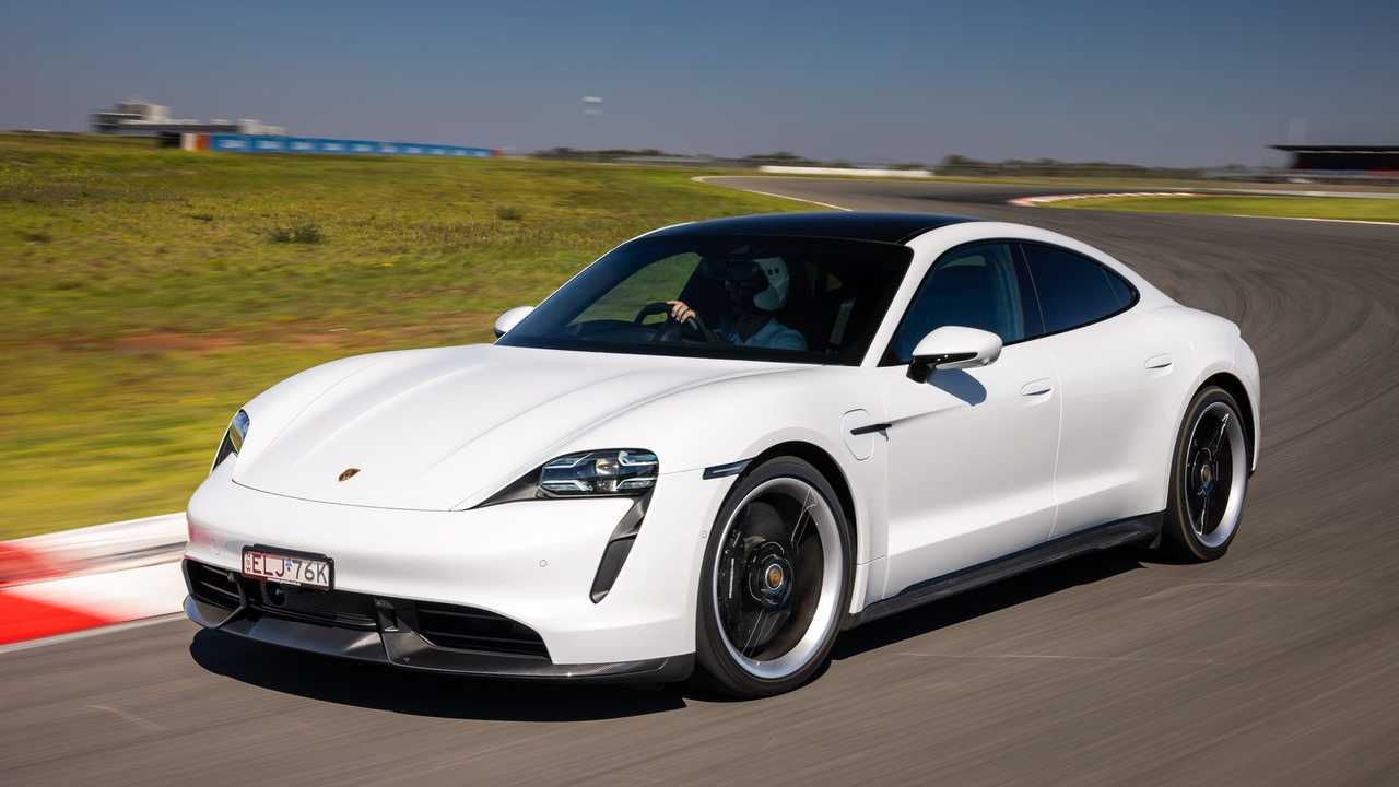 Porsche Taycan a The Bend Motorsport Parkon