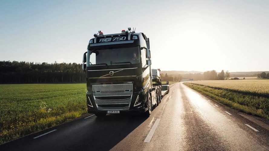 Volvo Trucks'ın devi FH16 yenilendi