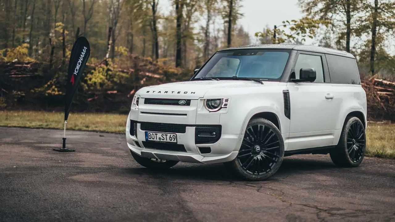 Startech Modifiyeli 3 Kapılı Yeni Land Rover Defender