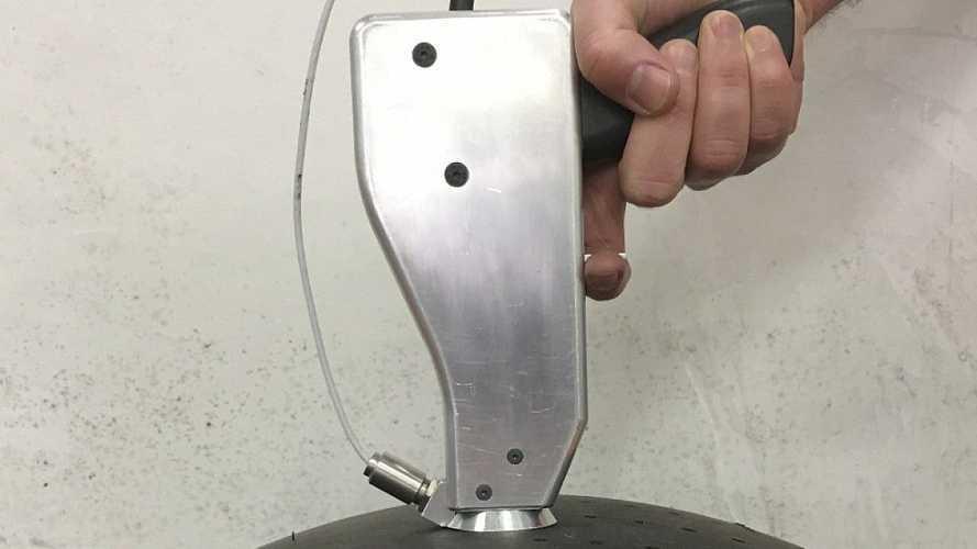 Секретное оружие: в F1 появился новый инструмент для работы с шинами