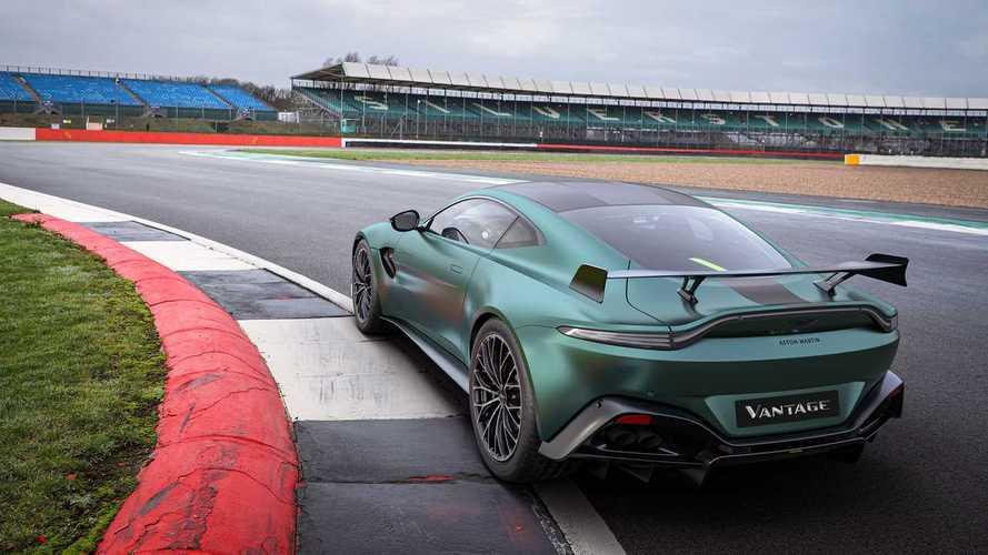 Aston Martin предложил фанатам копию машины безопасности «Формулы-1»