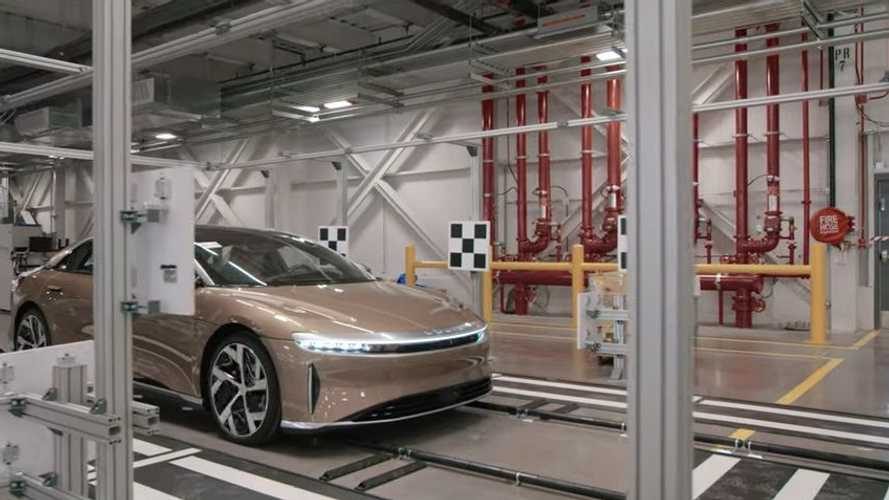 Lucid mostra come produce la Air, c'è più cura rispetto alle Tesla?