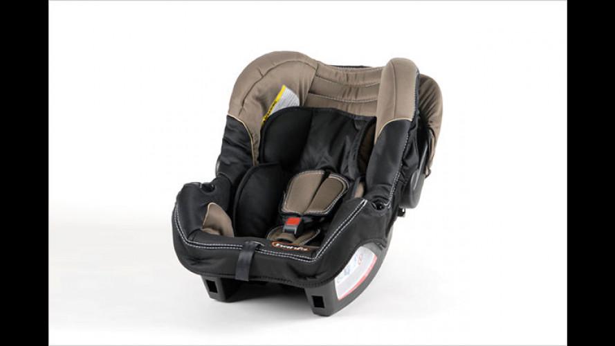 ADAC testet Kindersitze: Die Gefahr droht von der Seite