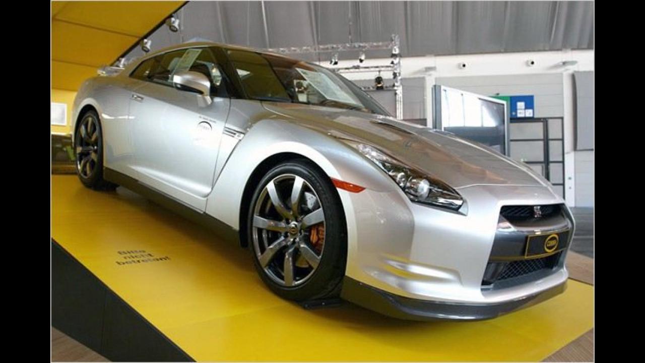 Bei uns noch nichtmal als Serienmodell zu haben: Auch ein Nissan GTR wurde bereits von Cobra modifiziert