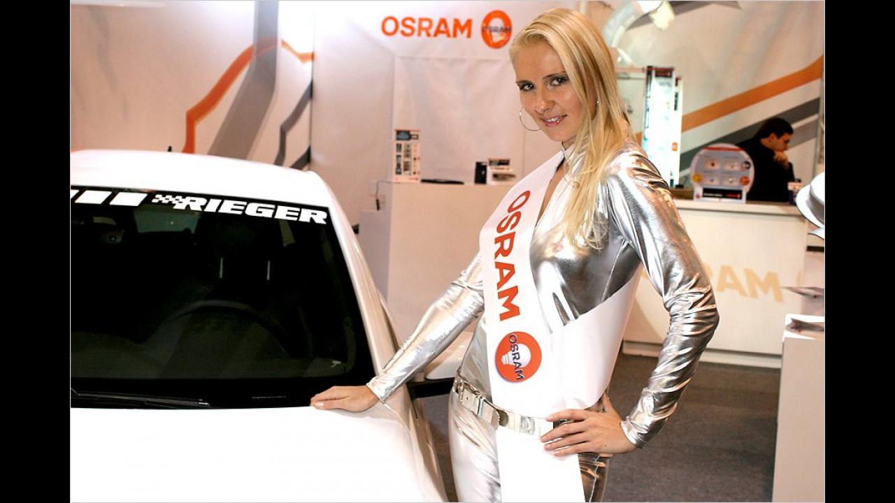Hell wie Osram: Diese leuchtende Erscheinung trafen wir am Stand eines Glühlampen-Herstellers