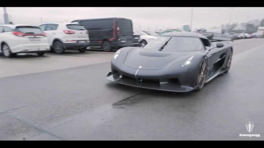 Videó: Maga a cég elnöke vitte el egy körre a Koenigsegg Jeskót - a hang valami brutális
