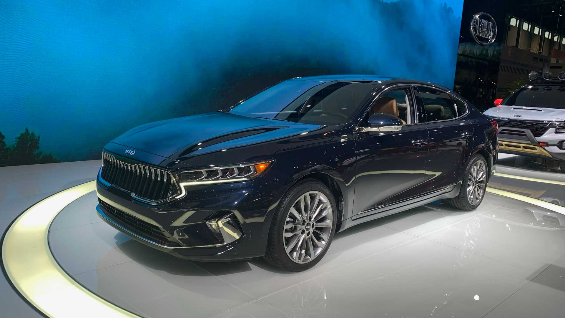 2020 Kia Cadenza Debuts In Chicago With Major Design Changes
