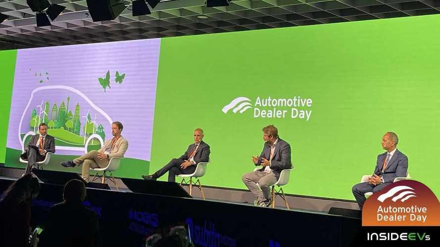 Il futuro dell'auto elettrica tra colonnine, prezzi e concessionari