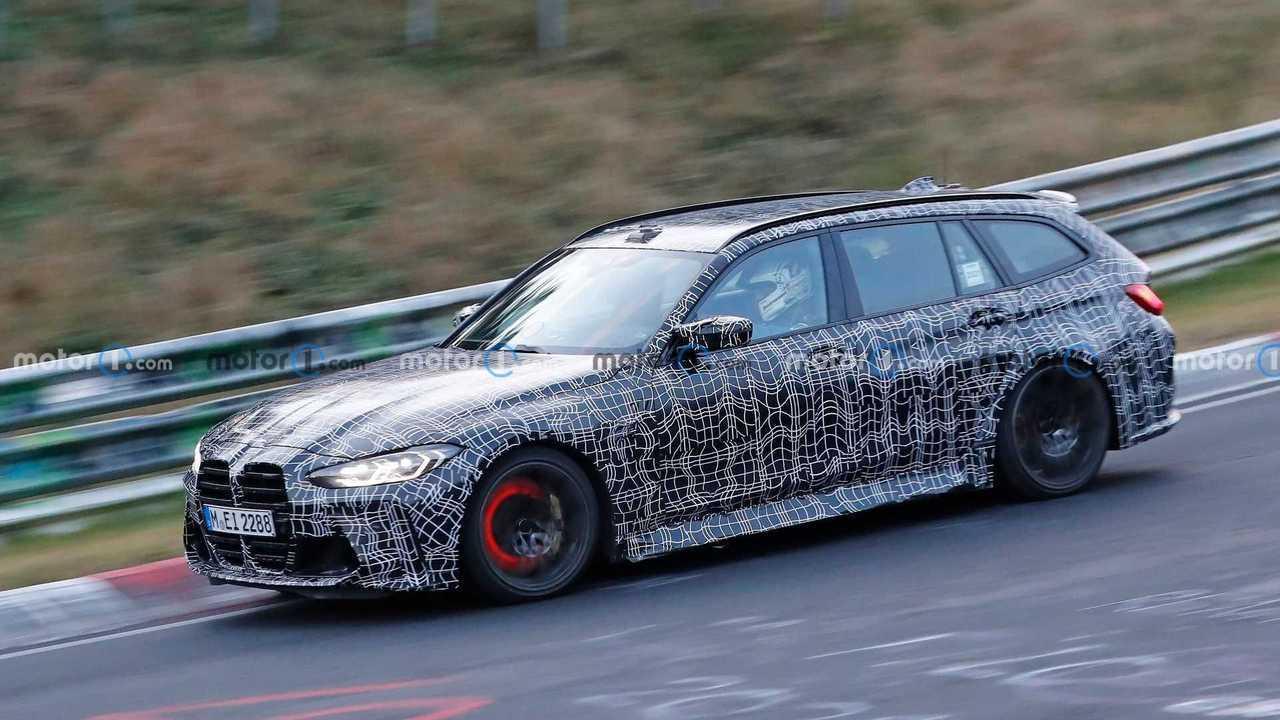 BMW M3 Touring With Glowing Brake Discs