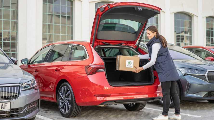 Compri online e con Skoda il pacco ti arriva direttamente in auto