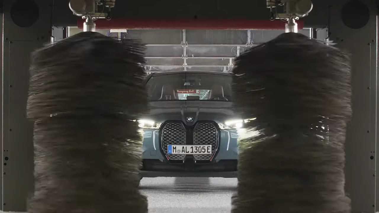 BMW iX Self Drive