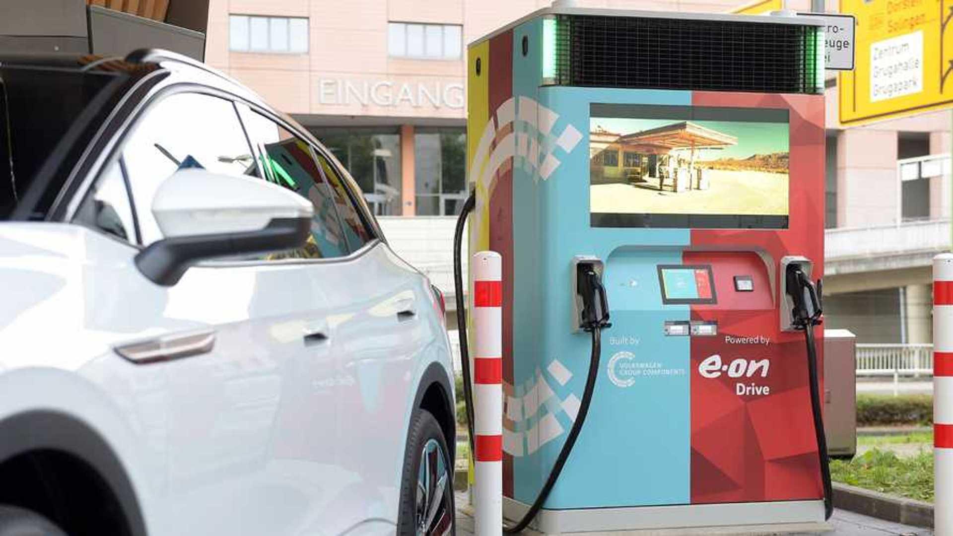 La borne VW-E.ON à batterie intégré peut révolutionner la charge