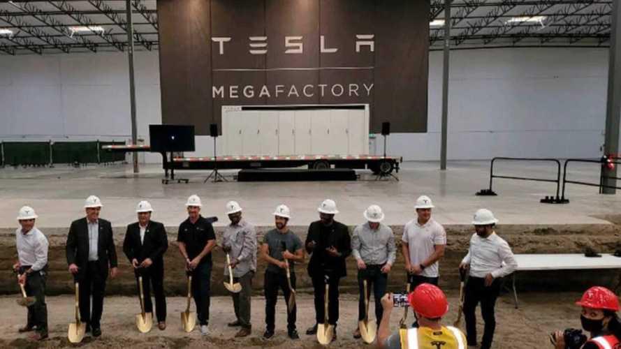 Letették a Tesla új gyárának alapköveit