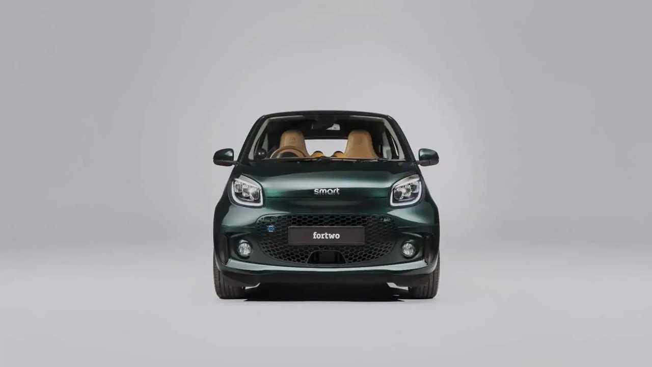 SmartEQ fortwo Racing Green Edition с элементами ателье Brabus