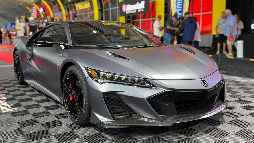 First 2022 Honda NSX Type S grabs $1.1 million at auction