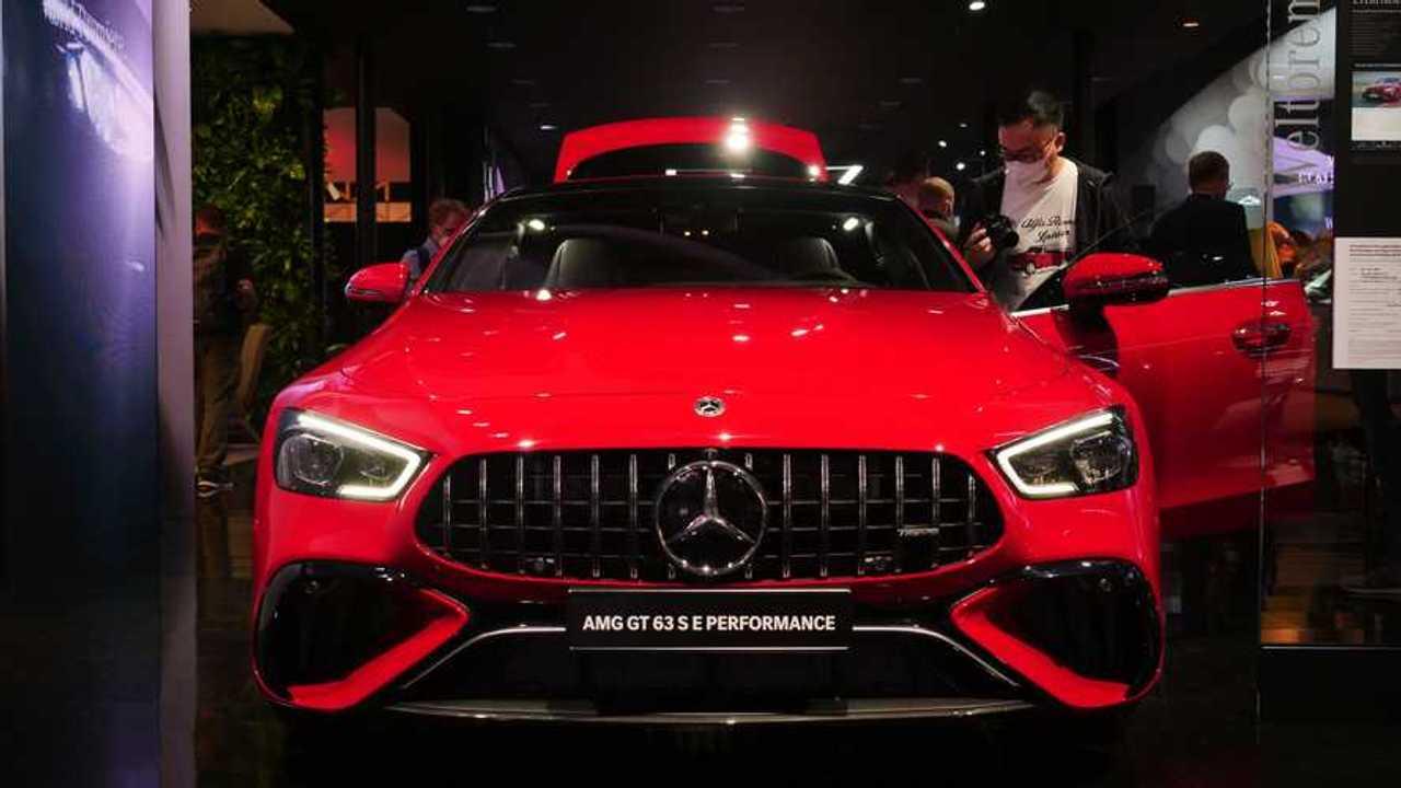 Photos en direct de la Mercedes-AMG GT 63 S E Performance de l'IAA 2021