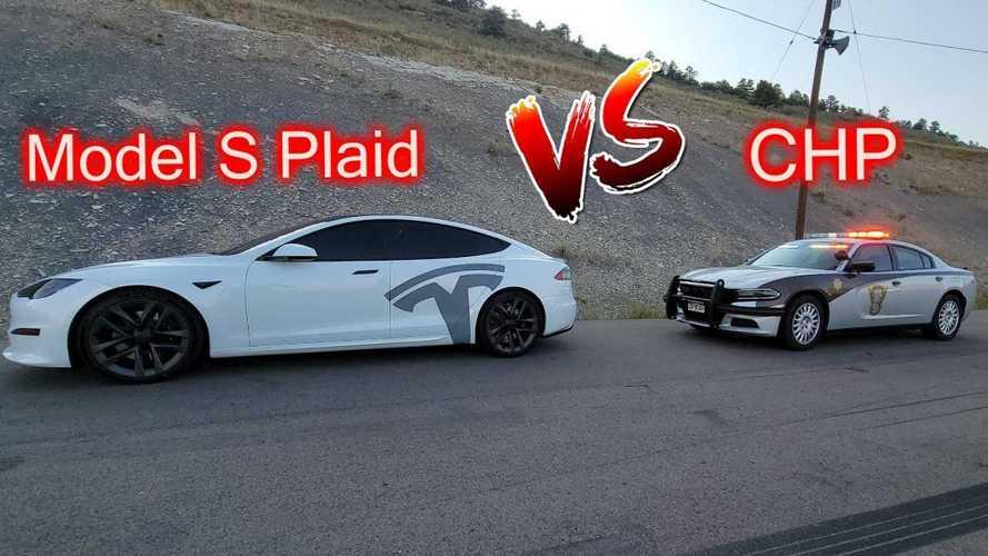 Tesla Model S Plaid Permalukan Mobil Polisi, Untung Hanya di Trek