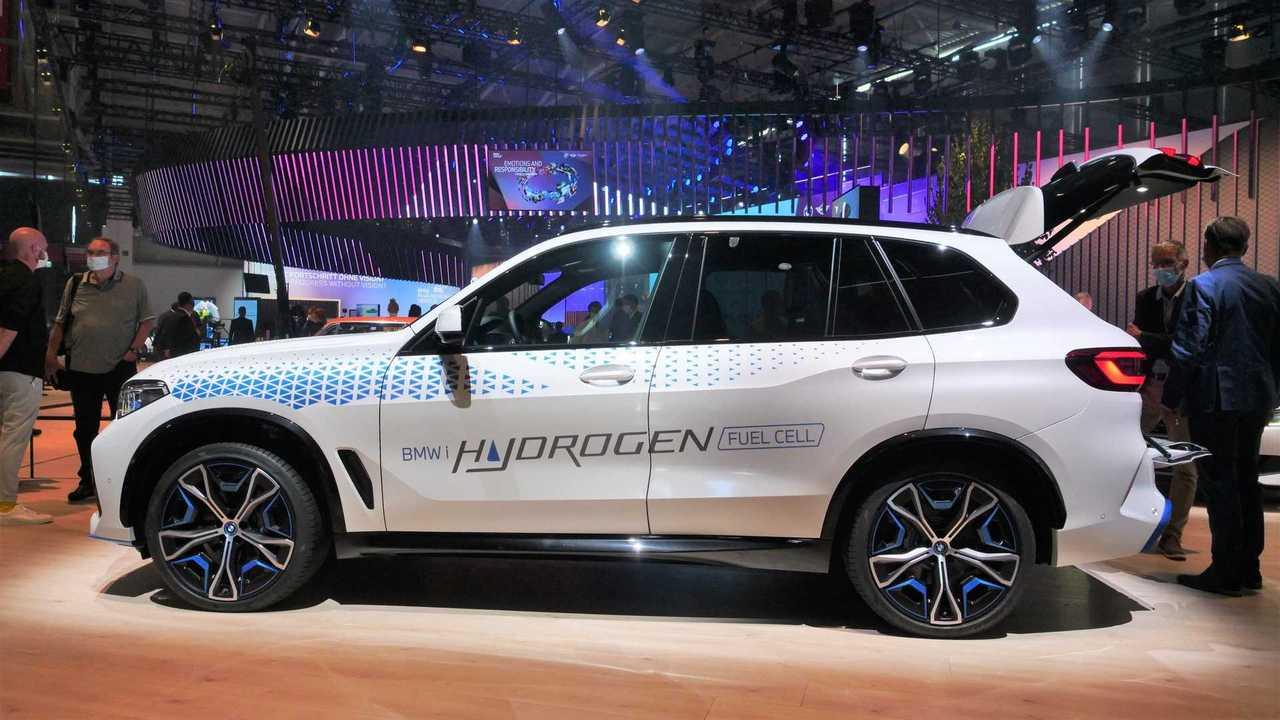 IAA 2021, BMW iX5 fotoğrafı.