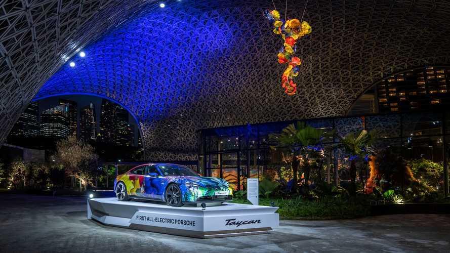 Art Car Porsche Taycan Tampil Memukau di Gardens by the Bay