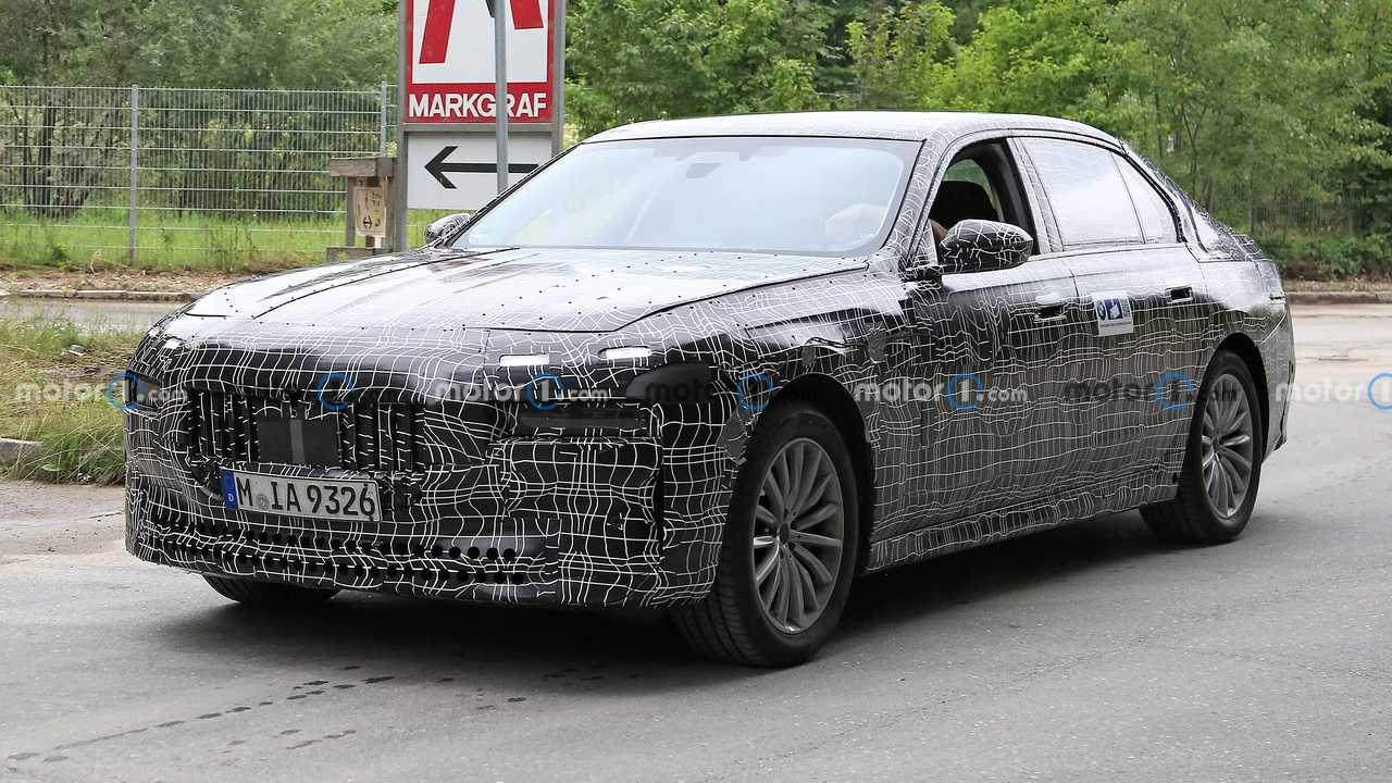 2023 BMW 7 Series getting new engines