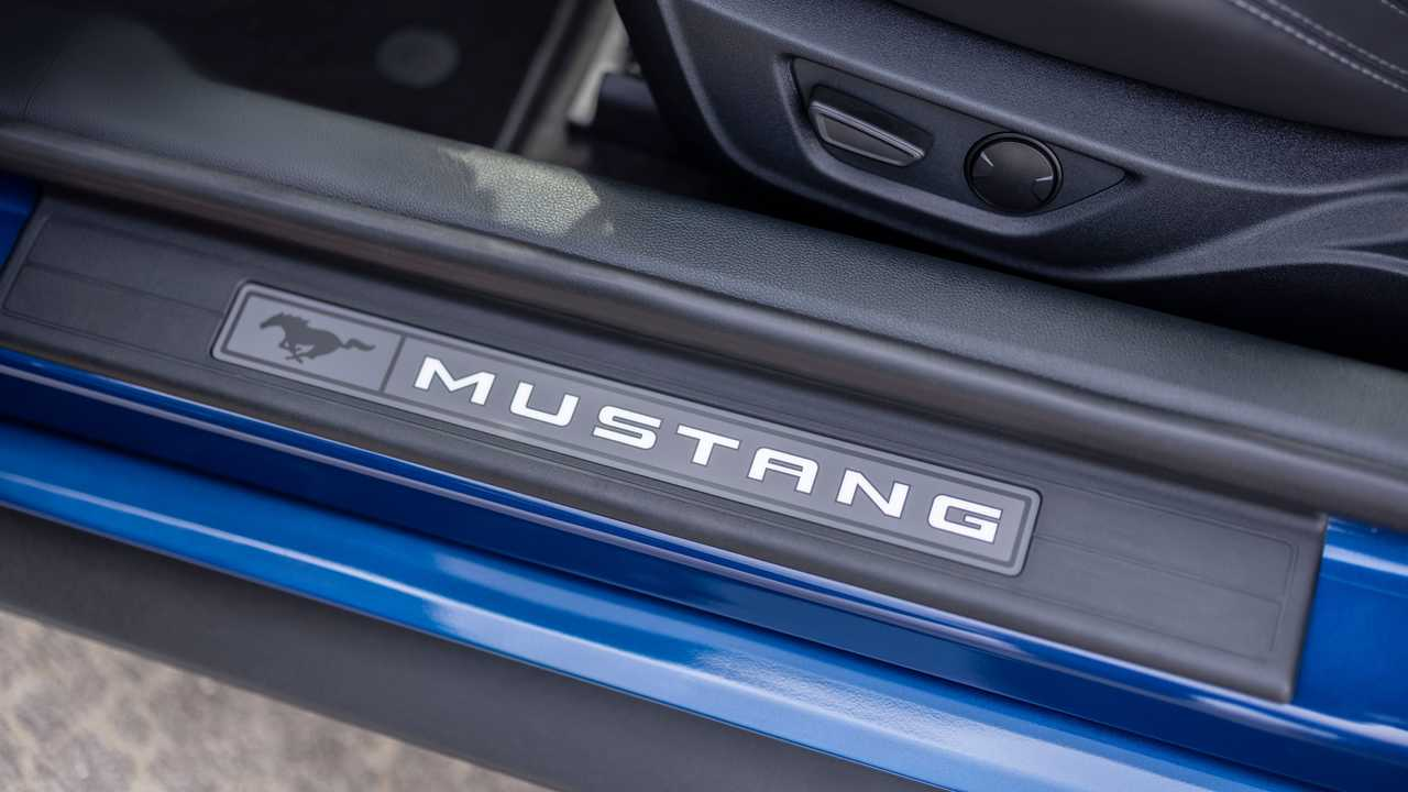 2022 Ford Mustang Stealth Sürümü