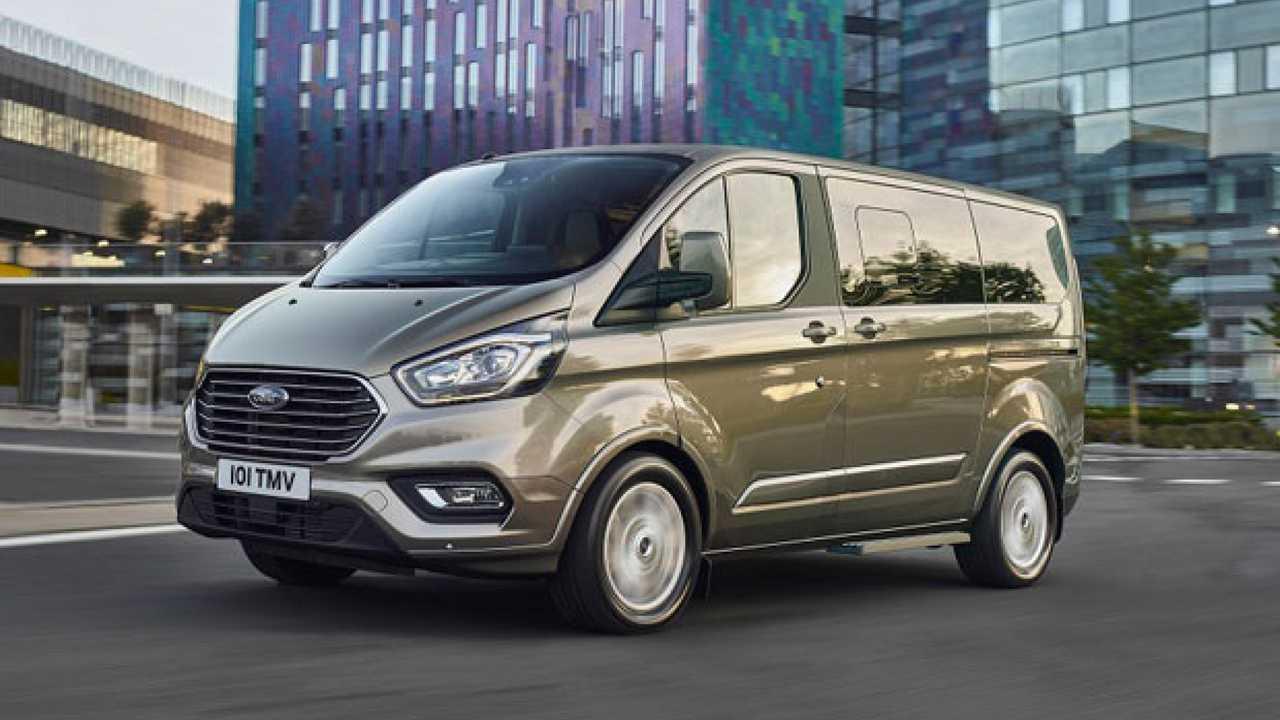 Ford, presentato il nuovo Tourneo Custom