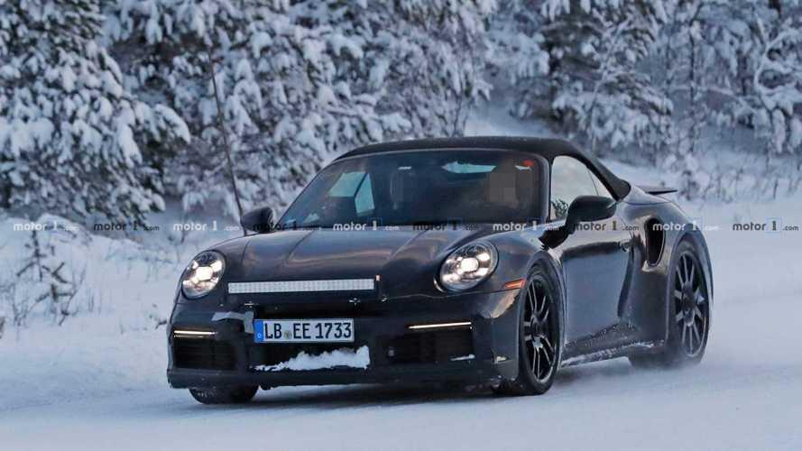 Porsche 911 Turbo Cabrio (2019): Erlkönig driftet im Schnee