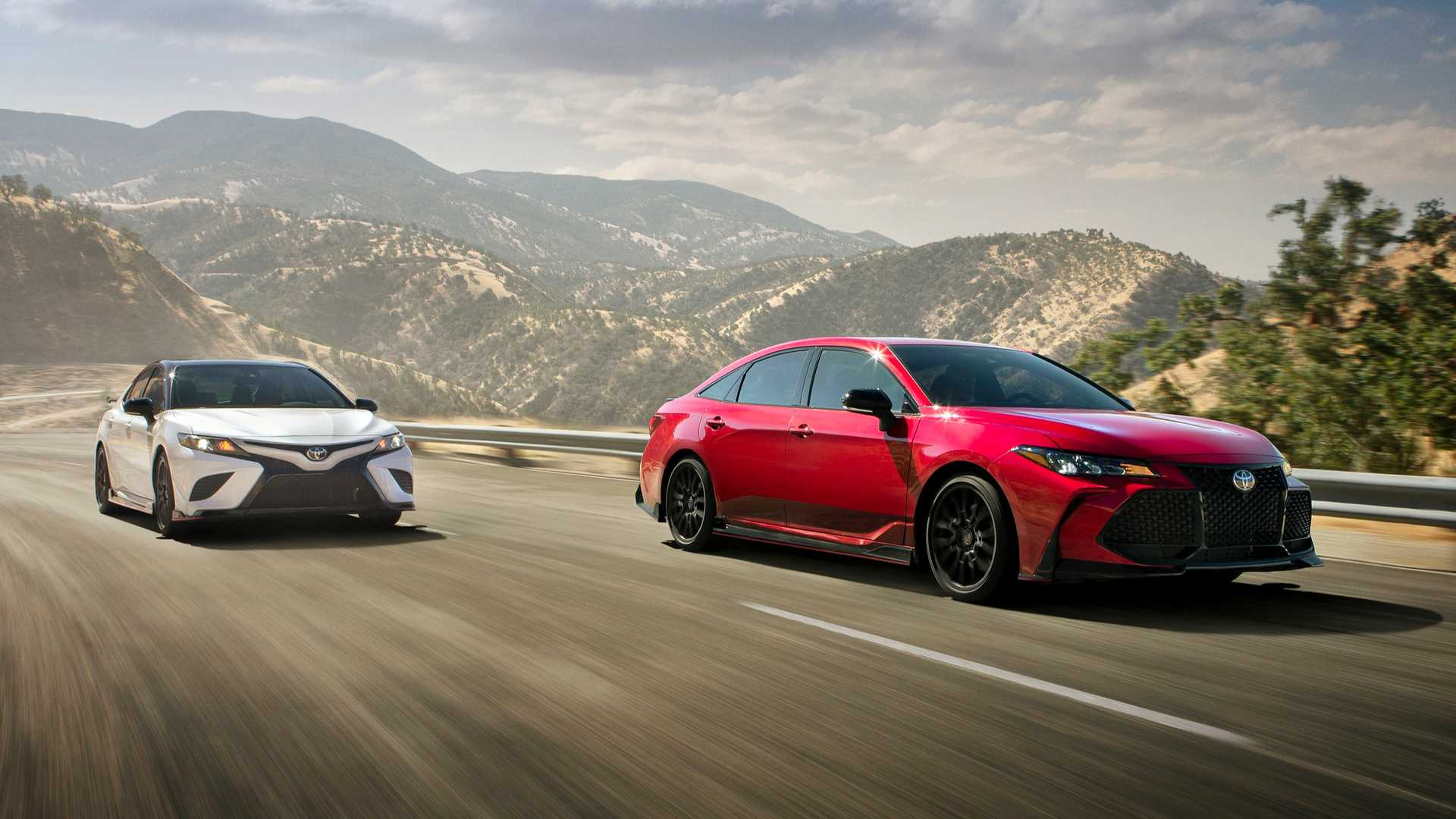 Toyota Camry Sport >> Toyota Avalon Camry Trd Add Touch Of Sport To Sedan Segment