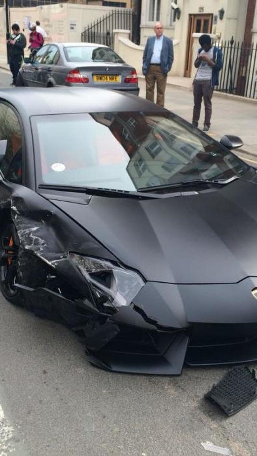 Matte Black Lamborghini Aventador Collides With Bmw 320d In London Video