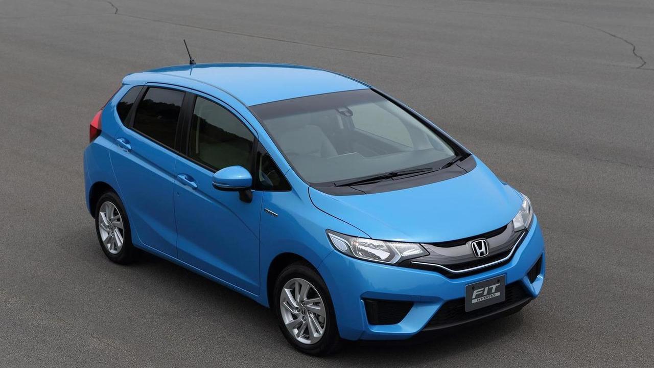 2014 Honda Fit Hybrid 19.07.2013