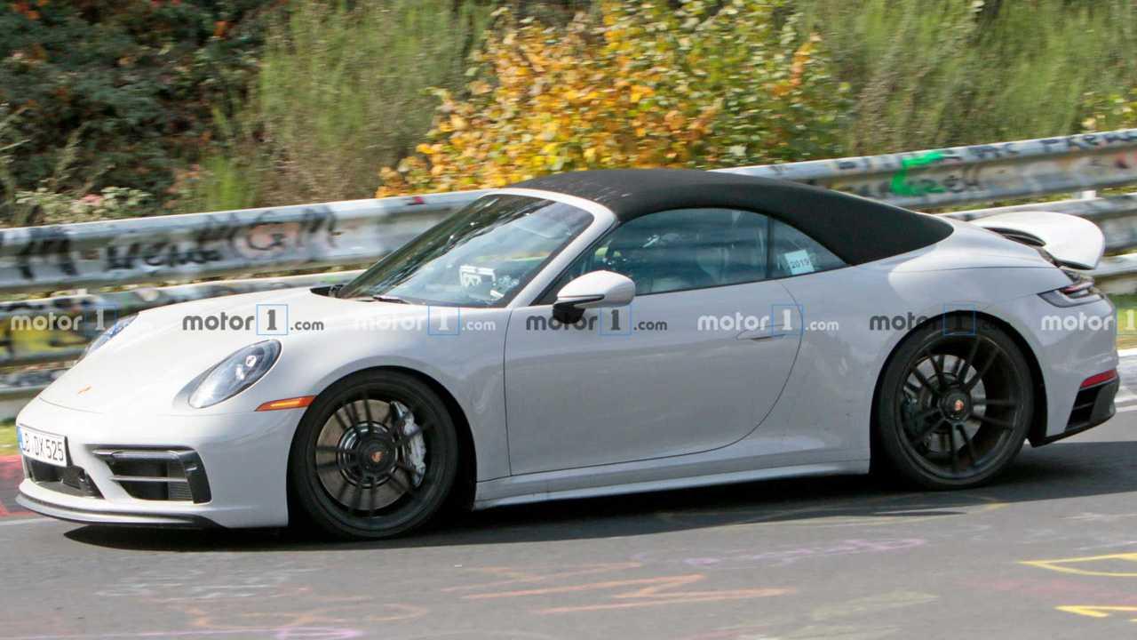 Porsche 911 GTS Cabriolet spy photo