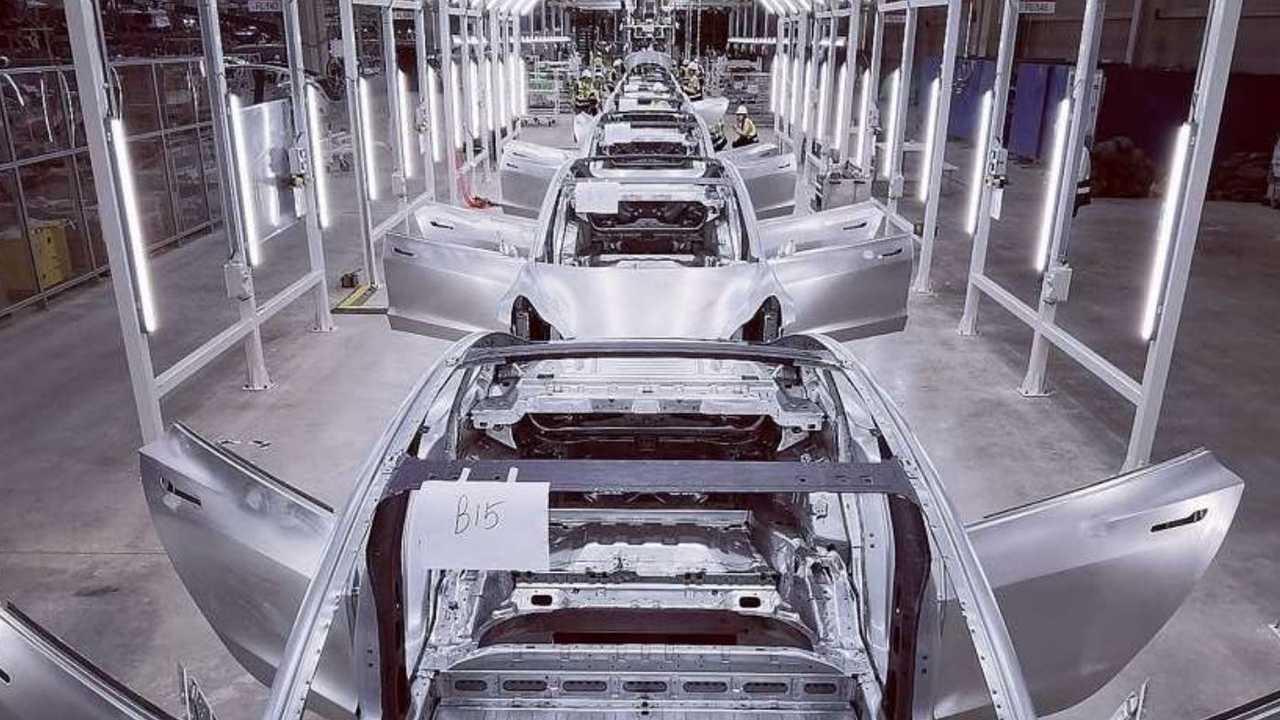 Tesla Gigafactory 3 immagini progresso