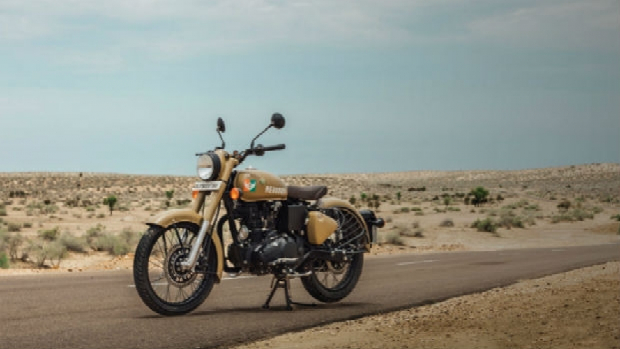 Royal Enfield Classic 350 Signals Edition: ispirazione militare [VIDEO]