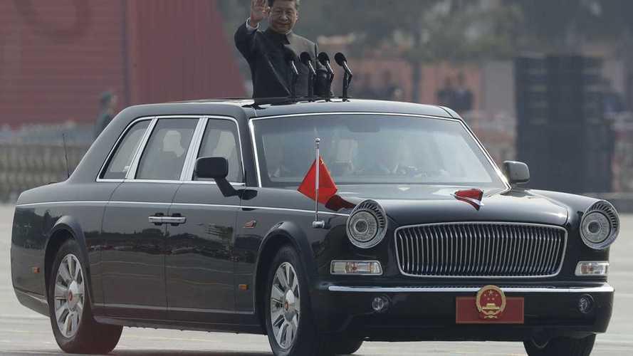 Назло S-классу: китайский лимузин впервые выехал на публику