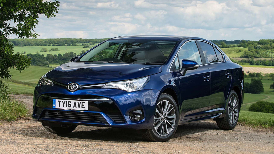 2017 Toyota Avensis Review