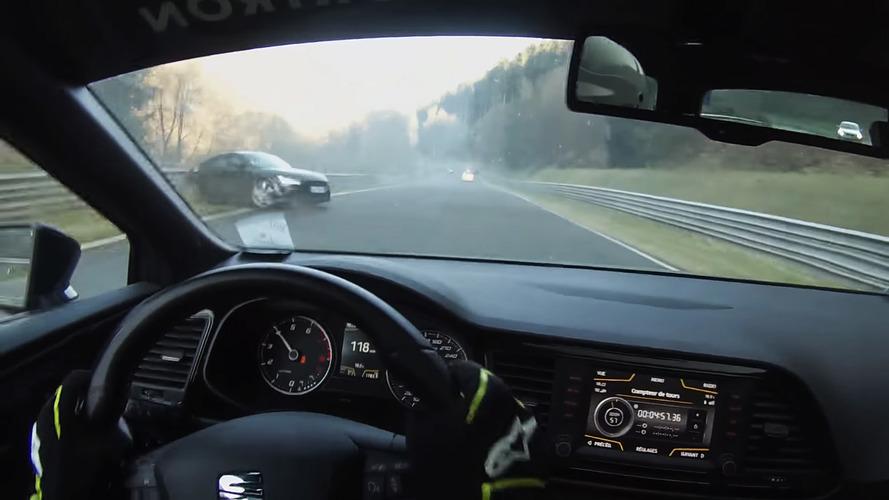 VIDEO - Une Audi TT RS glisse sur une flaque d'huile