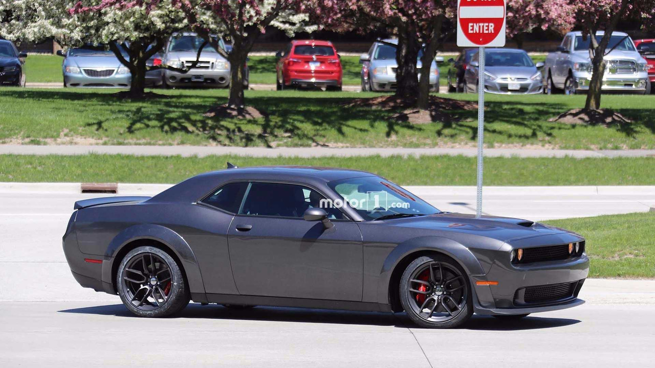 Dodge Challenger Srt Hellcat Spied With Demon Body Bits