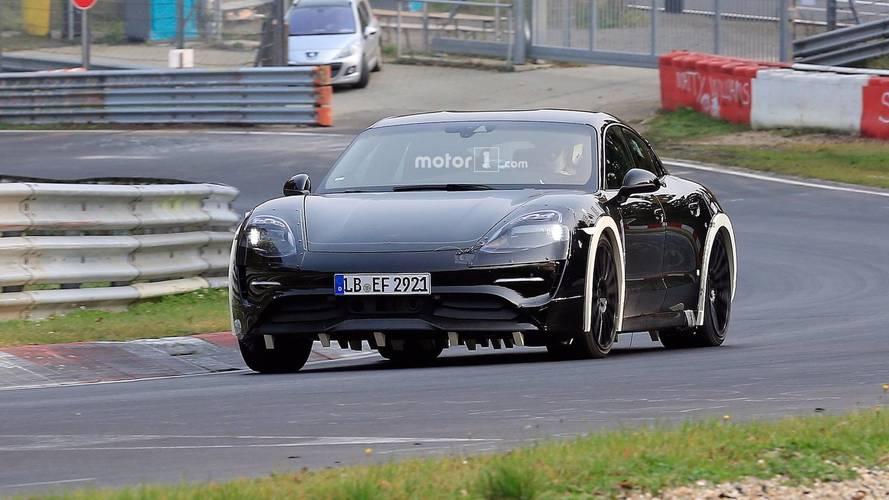 VIDÉO - La Porsche Taycan s'échauffe sur la Nordschleife