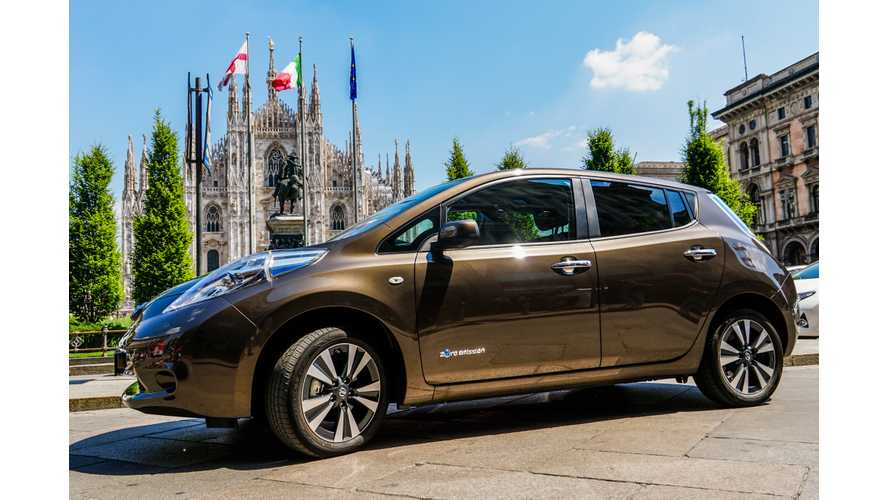 30 kWh Nissan LEAF Walkthrough And Test Drive Review - Video