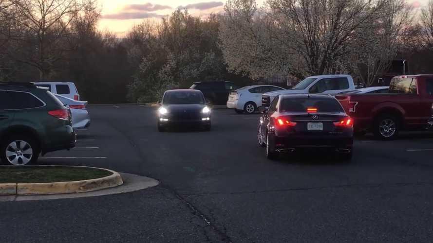 Watch Tesla Model 3 In Enhanced Summon Mode Pass Oncoming Vehicle: Video