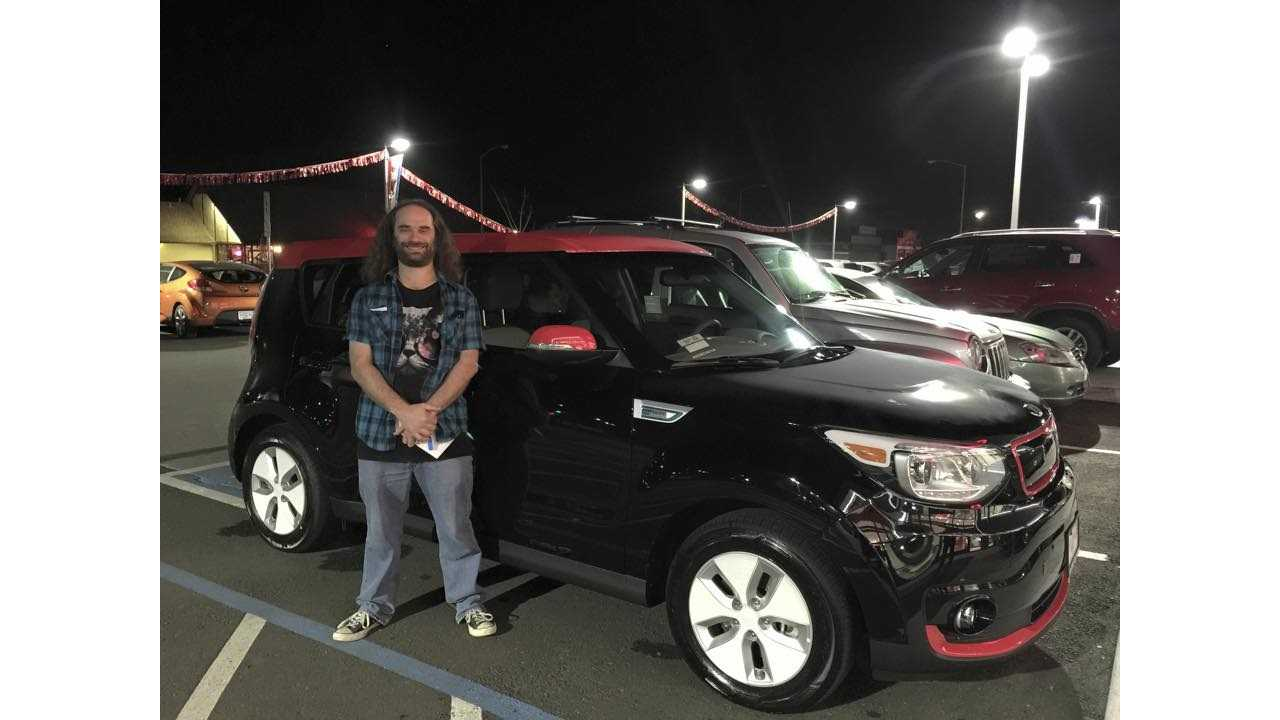 Refreshing:  A Kia Dealer Goes The Extra Mile For A Soul EV Buyer
